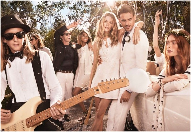 Tommy Hilfiger Spring 2015 Campaign The Hilfigers Pose For Outdoors Wedding Pictures Tommy Hilfiger Outfit Tommy Hilfiger Behati Prinsloo