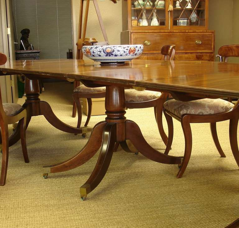 Regency Style Triple Pedestal Mahogany Dining Table Of Large Size From A Unique Collection Of Antique And Modern Dining Room Tables At Https Www 1stdibs Com