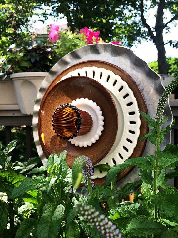 Metal garden sculpture Yard flower Salvaged art Aluminum platter