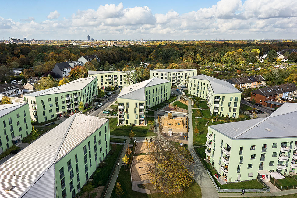Housing In Koln Ostheim Complete Renewal Of A 1950s Housing Complex Landscape Architecture Platform Landezi Landscape Architecture Architecture Landscape