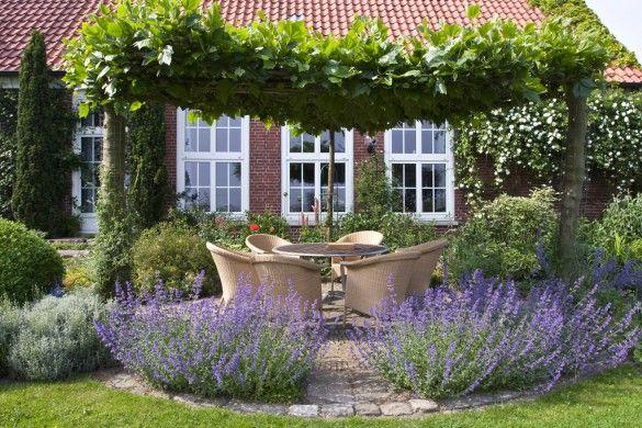 1 x 1 der beetgestaltung cottage garden pinterest garten sitzplatz im garten und garten. Black Bedroom Furniture Sets. Home Design Ideas