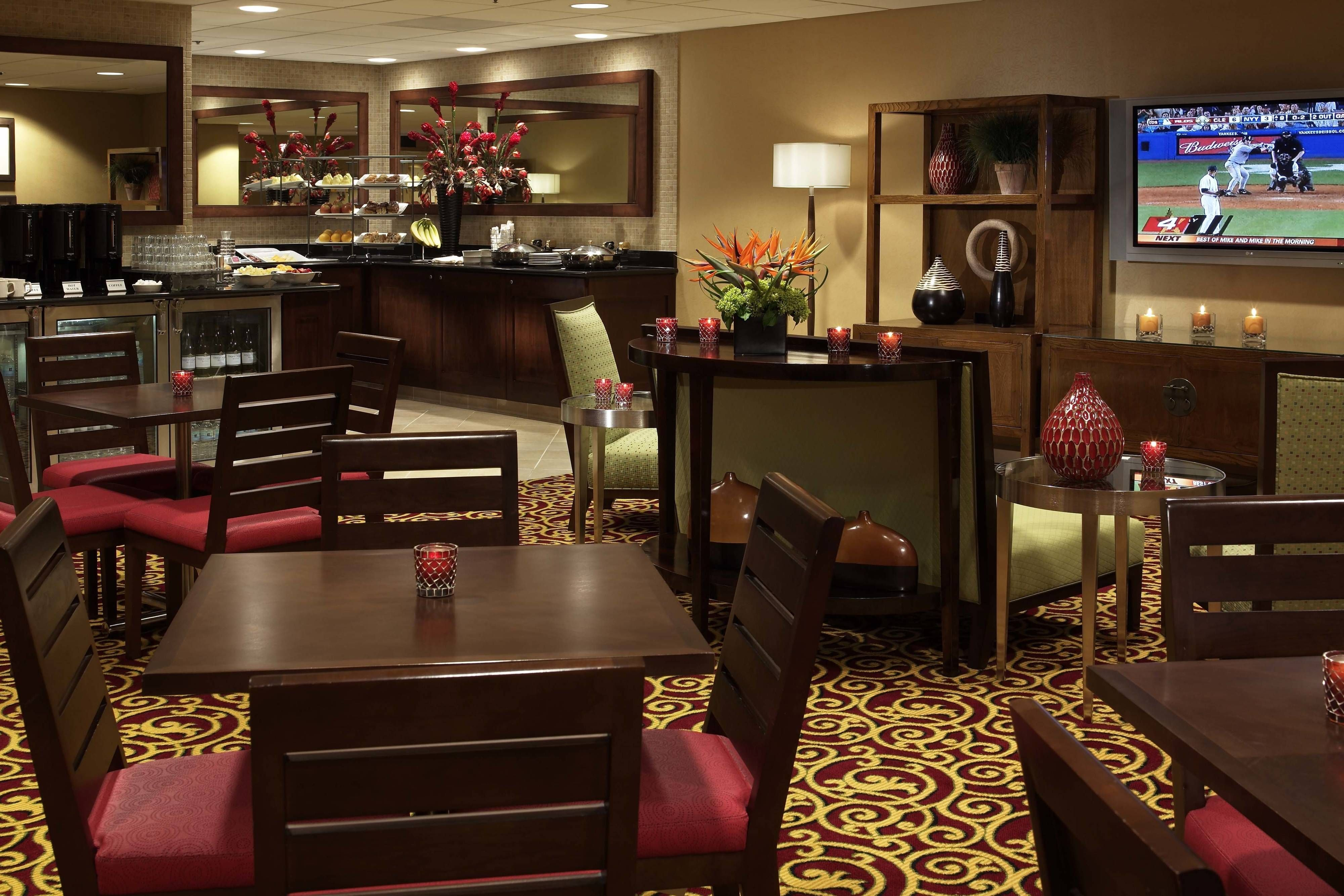 Des Moines Marriott Downtown Concierge Lounge Seating Beautiful Holiday Comfortable Lounge Seating Home Home Decor