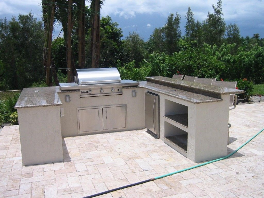 Gentil Brinkmann Built In Barbecue Grills For The Custom Outdoor Kitchen.