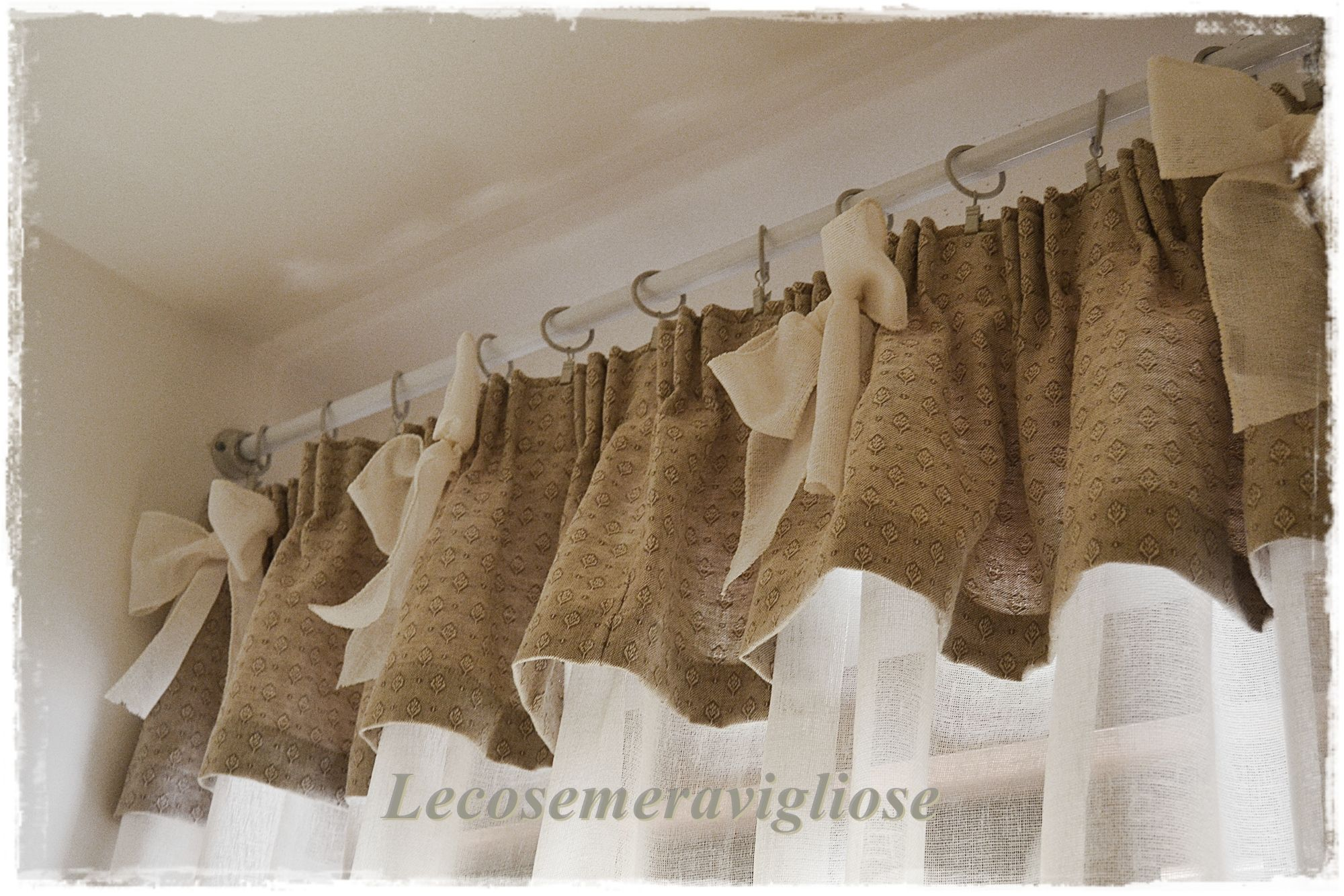Pin di lecosemeravigliose su curtains and pillows for Tende country chic