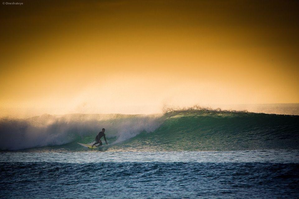 Brad Whittaker Sampling The Left At Wanda Photo Oneshuteye Http Www Facebook Com Oneshuteye Surfing Waves Sydney Beaches Beach Life