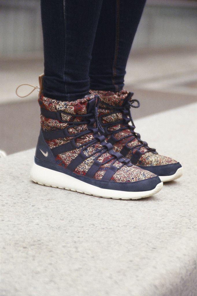 nike running boots