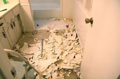 Yes You Can How To Remove Wallpaper From Unprimed Drywall Removable Wallpaper Sheet Rock Walls Removing Old Wallpaper