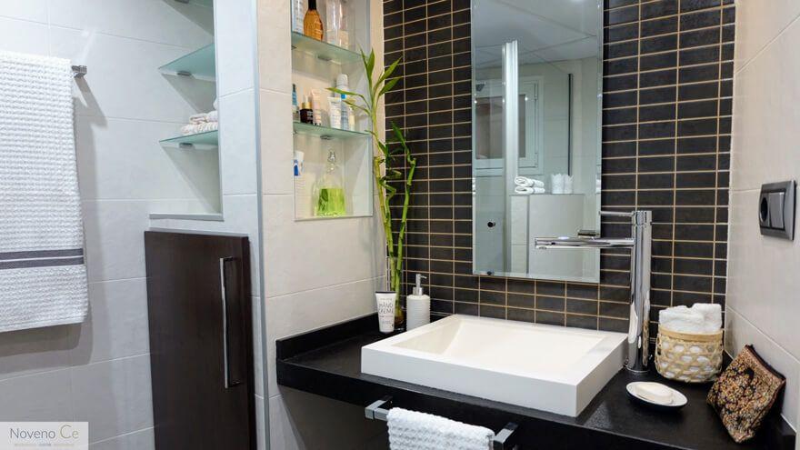 Cómo puedes renovar el aspecto del baño con poco ...