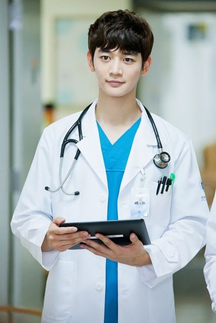 Shinee S Minho Shines In Doctor S Gown For Medical Top Team
