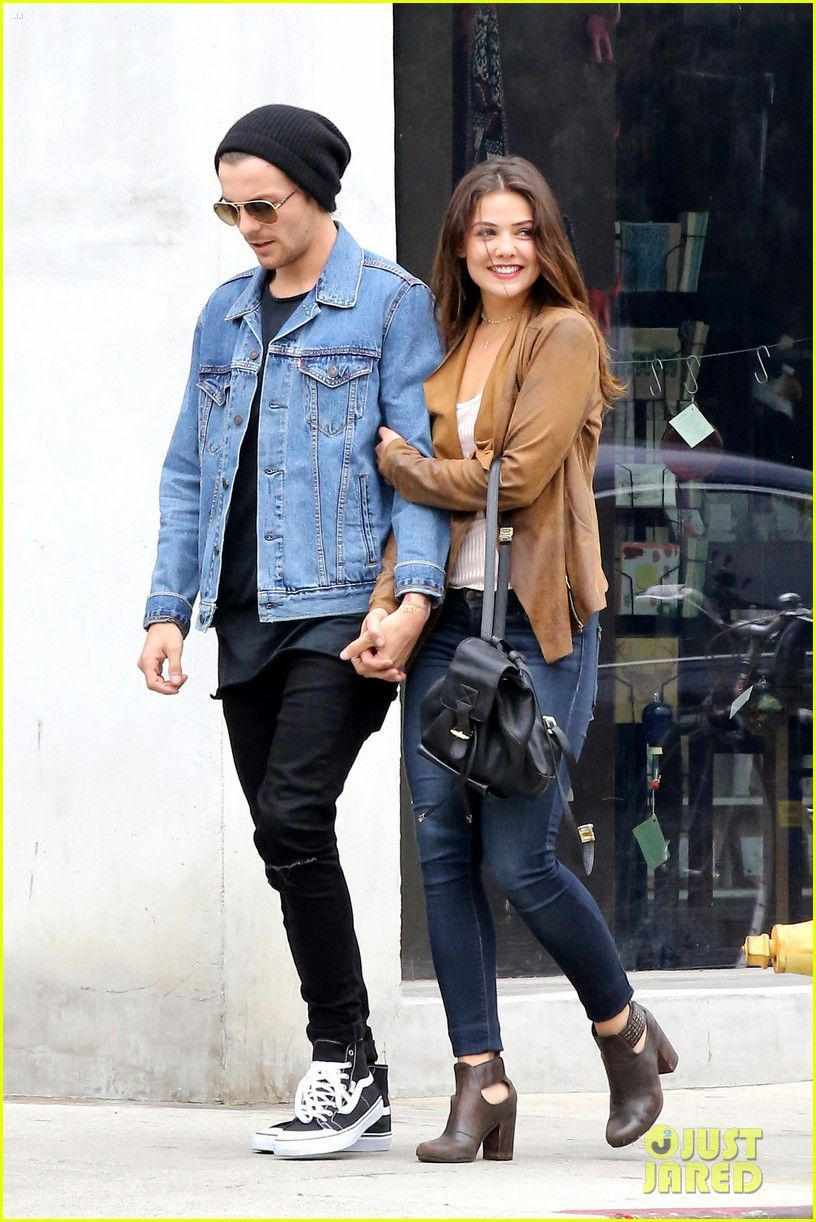 louis one direction girlfriend pregnant