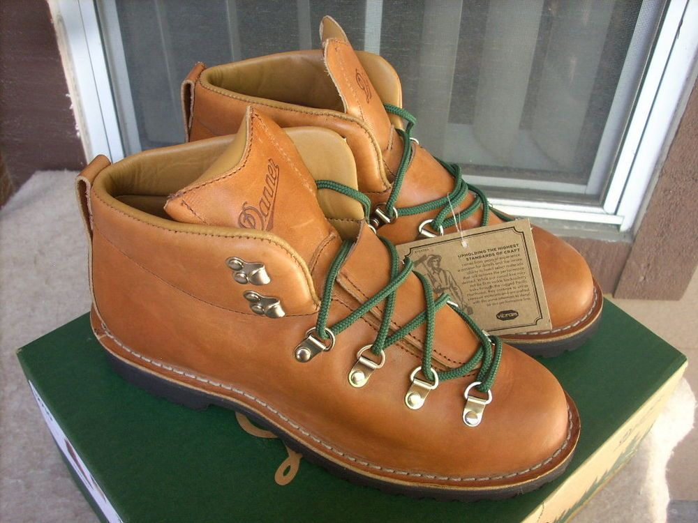 Danner men Hiking boots 8 EE Brown Leather USA shoes
