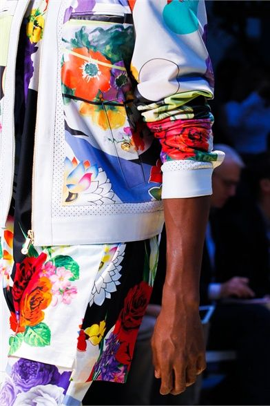 VERSACE Milan men's S/S 2013 #delortaeagency #designer #luxury #authentic #versace #style #fashion #fashionweek #runway #men #milan