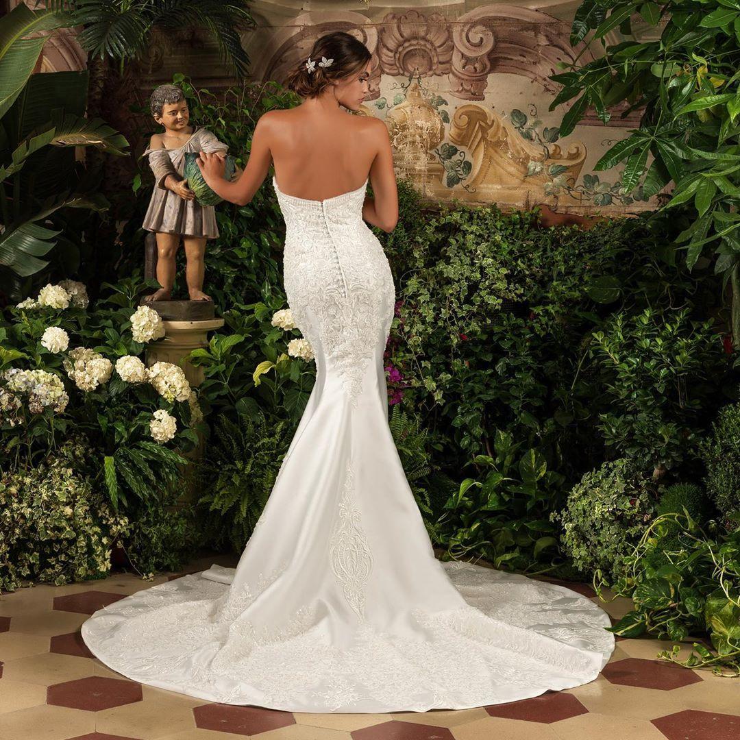 🌸SOFISTICATA BELLEZZA 🌸 . . . #sposa #abitodasposa #matrimonio #napoli #salerno #caserta #spose #ate...