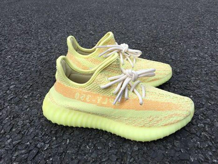 Adidas Yeezy 350 Boost V2 Fluorescence