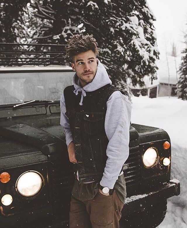 Frosted tips are back! What you guys think? ❄️ߓ: @samuelelkins #winter  #arvowatch #style #utah #radע& | Winter photoshoot, Mens photoshoot poses,  Nyc fashion winter