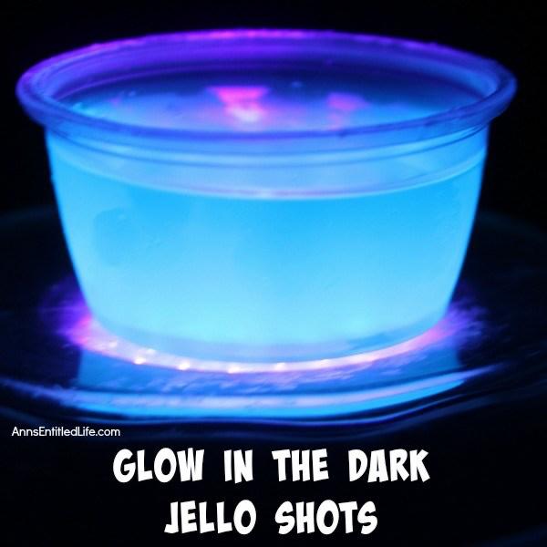 Glow in the Dark Jello Shots Recipe #halloweenjelloshots