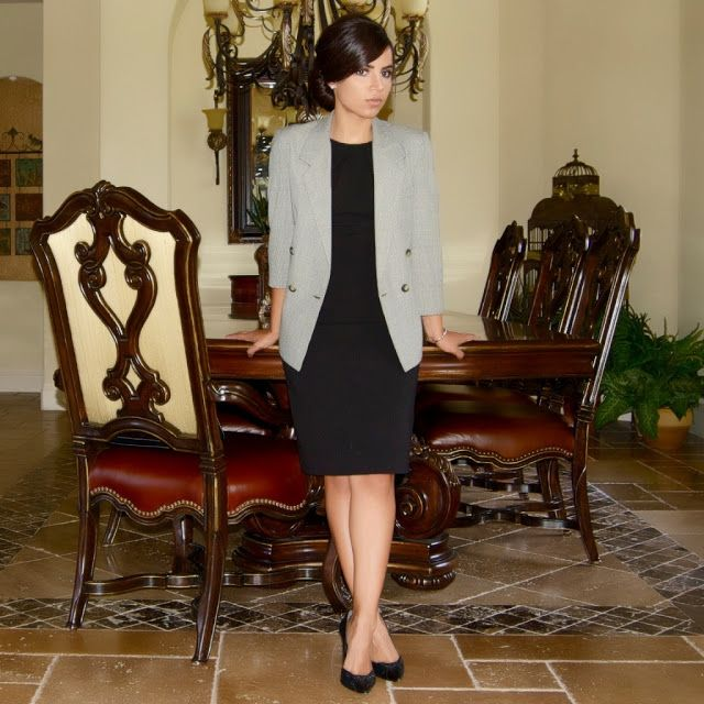 1144004c1946e job interview: black dress and gray blazer | How to Dress for ...