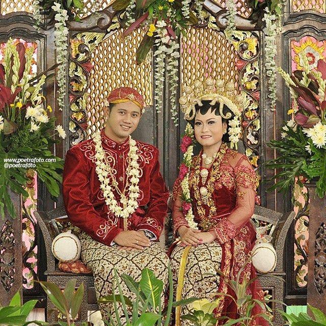 #Foto #Pengantin #Pernikahan #Jawa Yessy+Hendri #Javanesse #Wedding at #Rembang #JawaTengah #Indonesia by Poetrafoto #Photography, http://poetrafoto.com/wedding-indonesia_1.htm