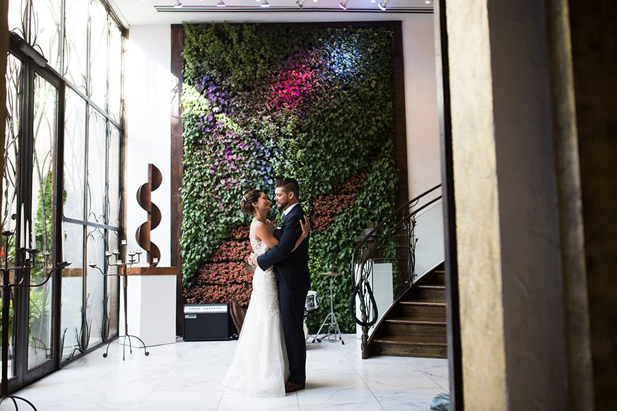 Eclectic Wedding At Artesano Gallery And Iron Works Philly In Love Eclectic Wedding Wedding Venues Philly Wedding