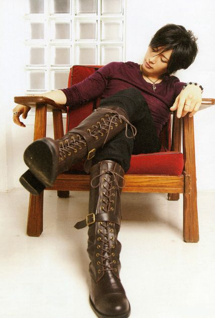Gackt. Wear boots like these more often.