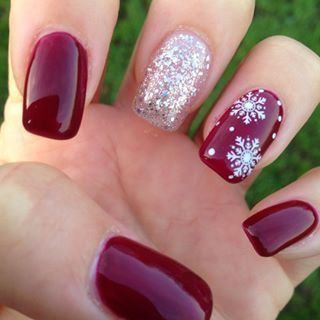 Einfache Weihnachten Nail Art Designs für kurze Nägel - Schneeflocken
