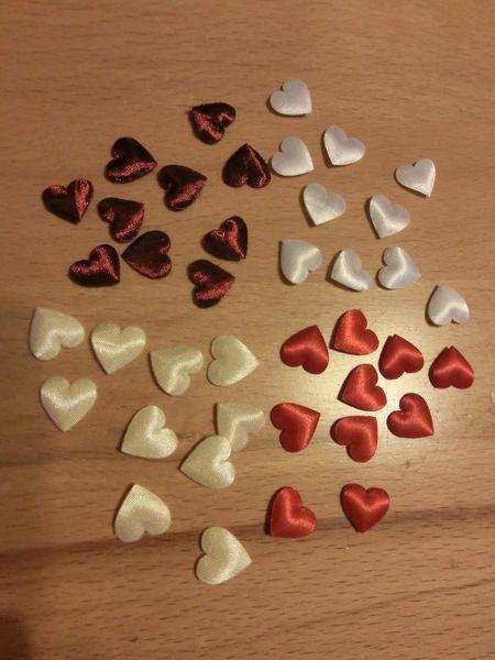 Weiteres - Herzen-Streudeko Hochzeit creme /rot/weiß/bordeaux - ein Designerstück von bastel-freak bei DaWanda