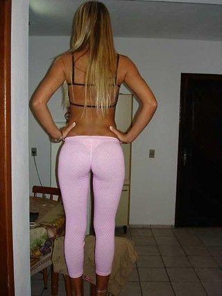 Sexy Babe in Yogahosen