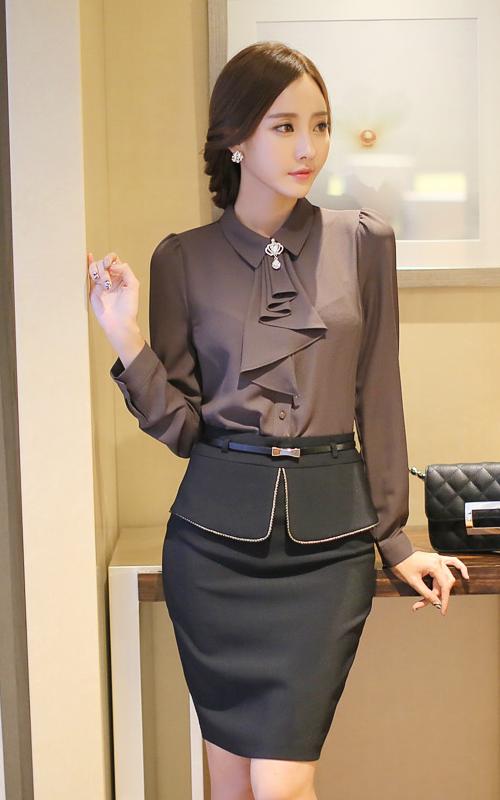 golden trimmed pencil skirt blusen b rokleidung und b ro outfit. Black Bedroom Furniture Sets. Home Design Ideas