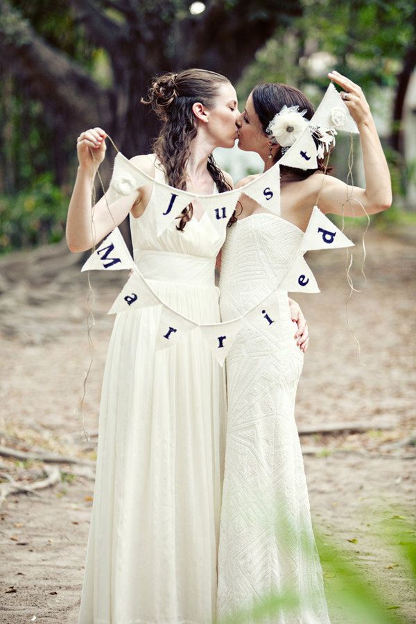 two-perfect-lesbian-babes-love-stamps