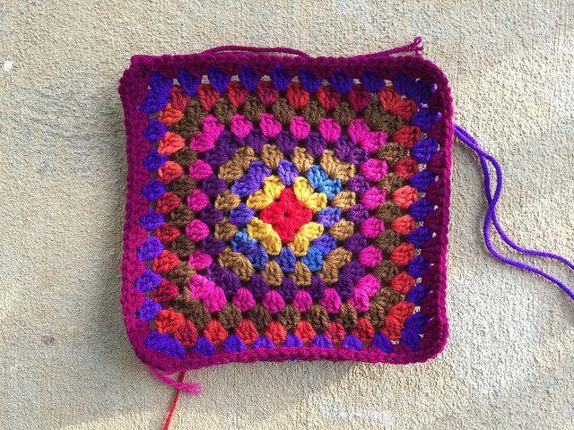 granny square purse, crochetbug, crochet granny square, crochet purse, crochet squares