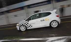 """Résultat de recherche d'images pour """"Renault UK Clio 4Cup"""""""
