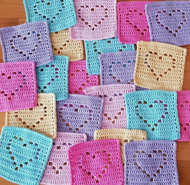 Pretty filet crochet heart baby blanket #filetcrochet