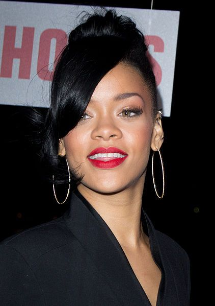 Sideswept DARK HAIR l RIHANNA   FOR #HAIRSTYLES AND ADVICE VISIT US WWW.UKHAIRDRESSERS.COM