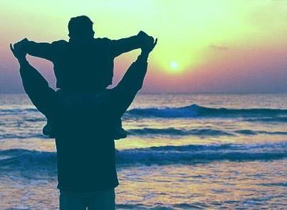 Amare non è innanzitutto generare qualcuno ma prendersene cura. I figli sono di chi li ama e non di chi li mette al mondo. Infatti questa seconda cosa viene dalla natura, la prima viene da quella somiglianza con Dio che ci fa così diversi da tutto il resto della creazione.