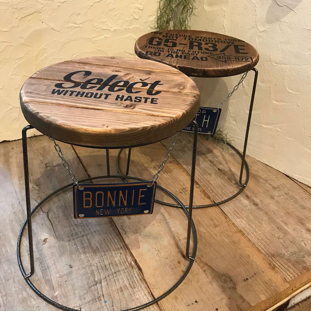 手軽な材料でおしゃれに 広がる セリアdiyの世界 プランタースタンド リビング インテリア ミニテーブル