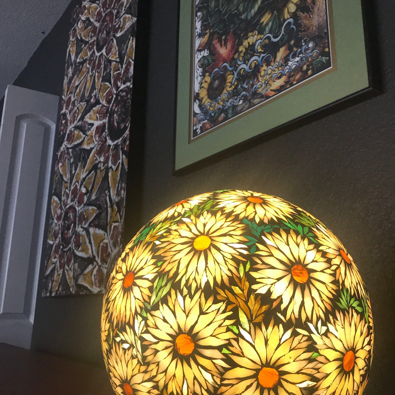 Sur Commande Lampe Boule A Poser En Mosaique Vitrail Vidrio En Mosaico Lampara De Vidrio Ideas De Mosaico