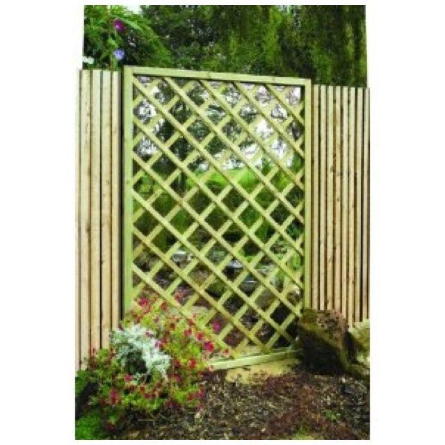 Mirror Set Behind Garden Trellis Love This With Images