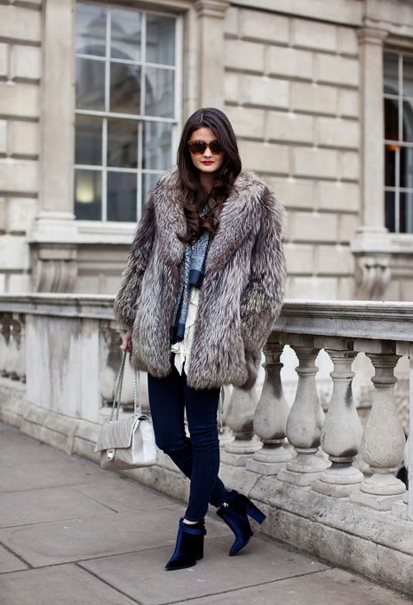 6431848b6a5 Pin by Fur Hat World on    Celebrities in Fur