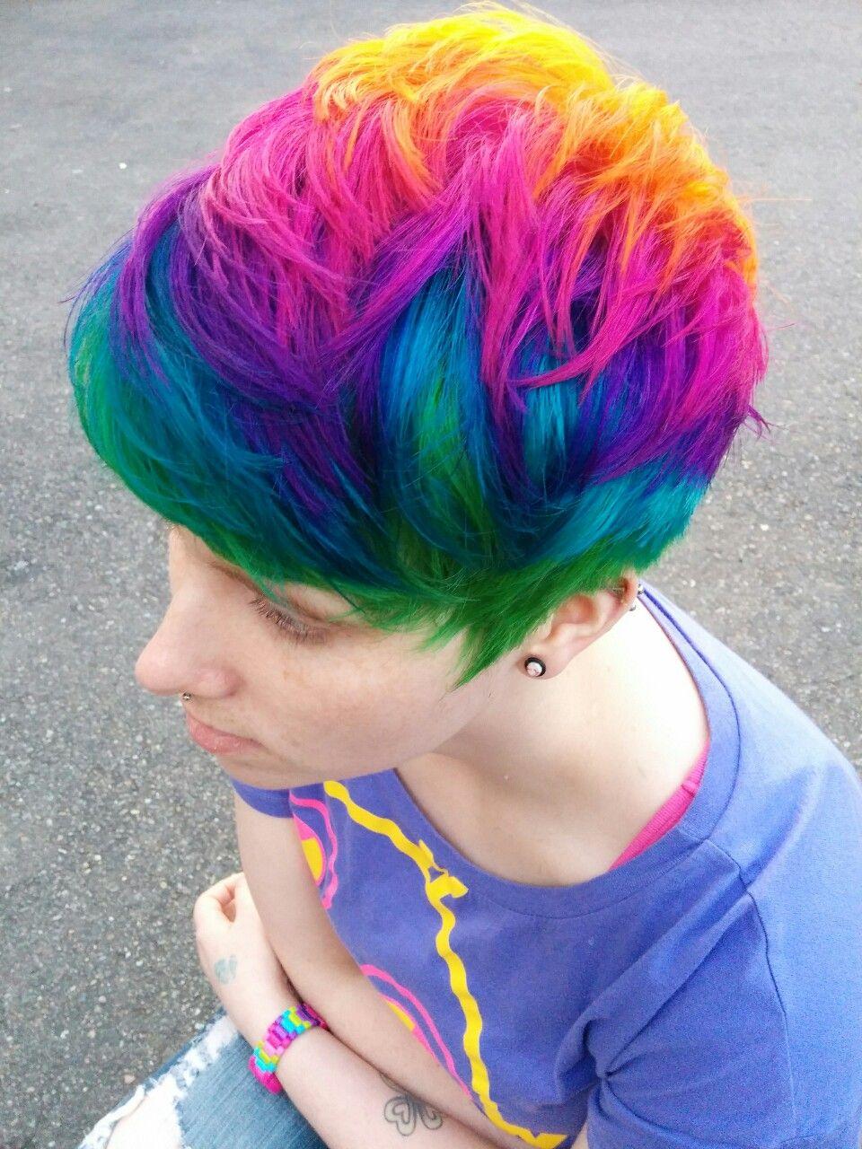 Rainbow Hair Regenbogen Haarfarbe Inspiration Trend Bunte