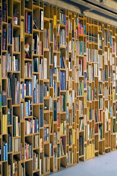Dream Homes Built For Books And The Nerds Who Love Them Bookshelves Bookcase Shelves