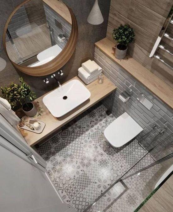 Photo of Holzarbeitsplatten verleihen dem Badezimmer Charme und Wärme. Auf dem Boden … – Welcome to Blog – Blog