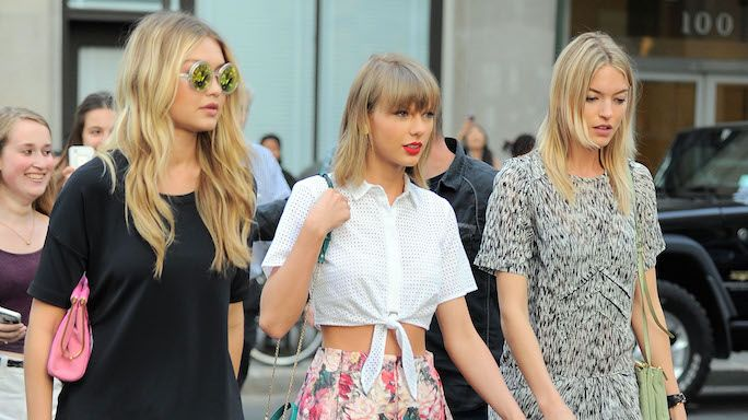 The singer was spotted with models Gigi Hadid and Martha Hunt in New York City's TriBeCa neighborhood last night looking every bit the power squad they portrayed in Swift's latest video. Description from m.harpersbazaar.com.au. I searched for this on bing.com/images