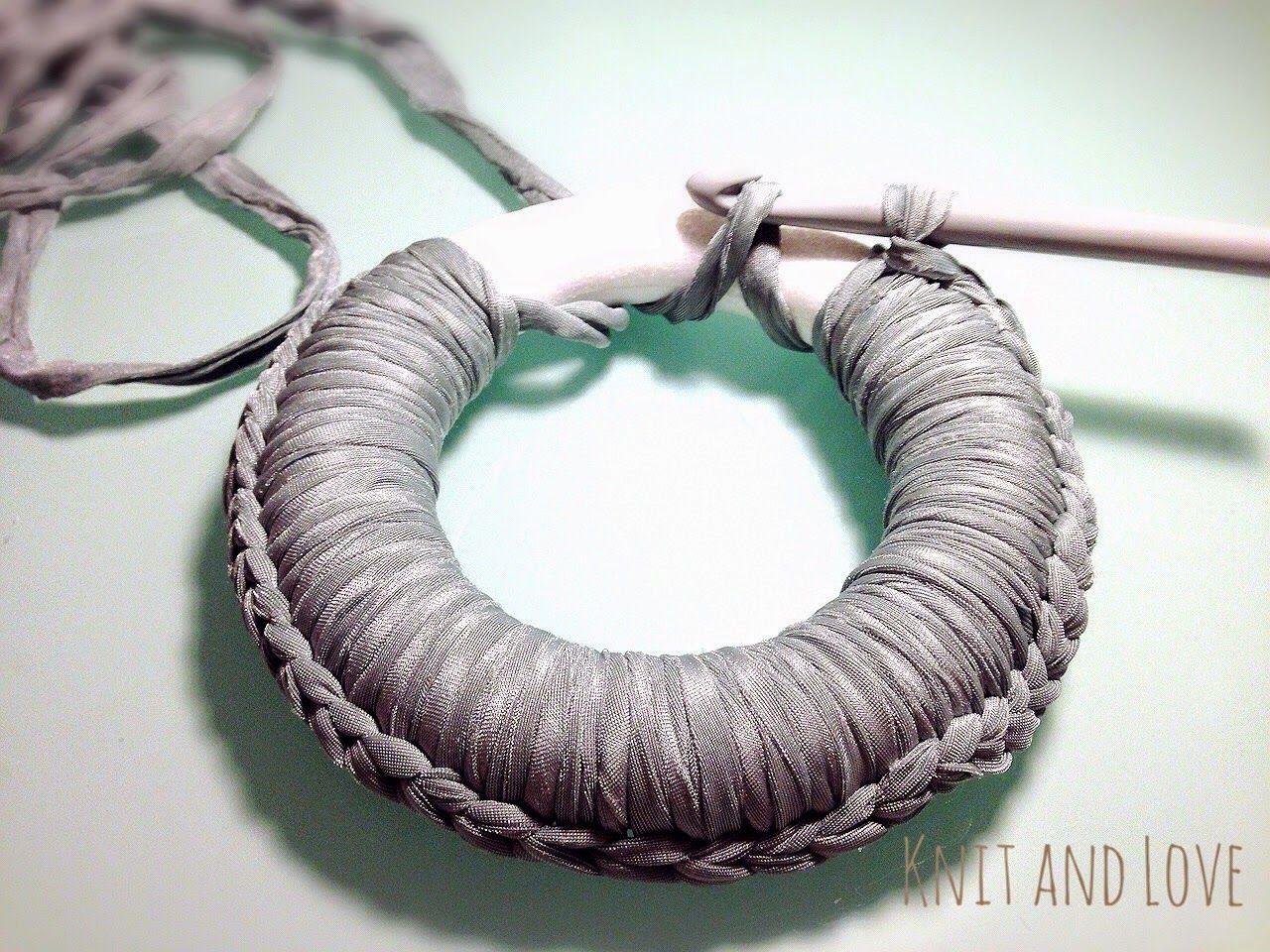 Corona de navidad de trapillo knit and love navidad - Coronas de navidad ...