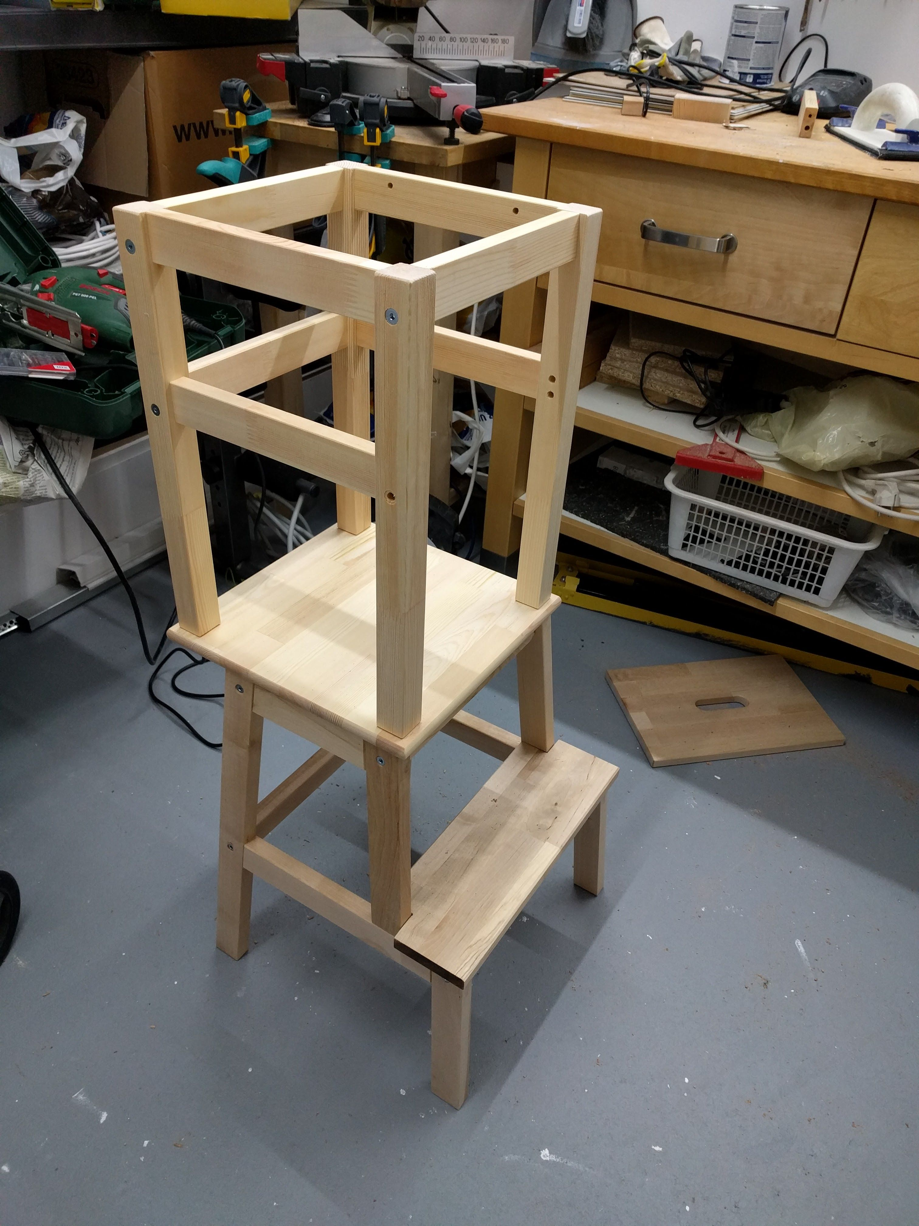 Learning tower ikea hack 11 diy pinterest learning for Ikea montessori hack