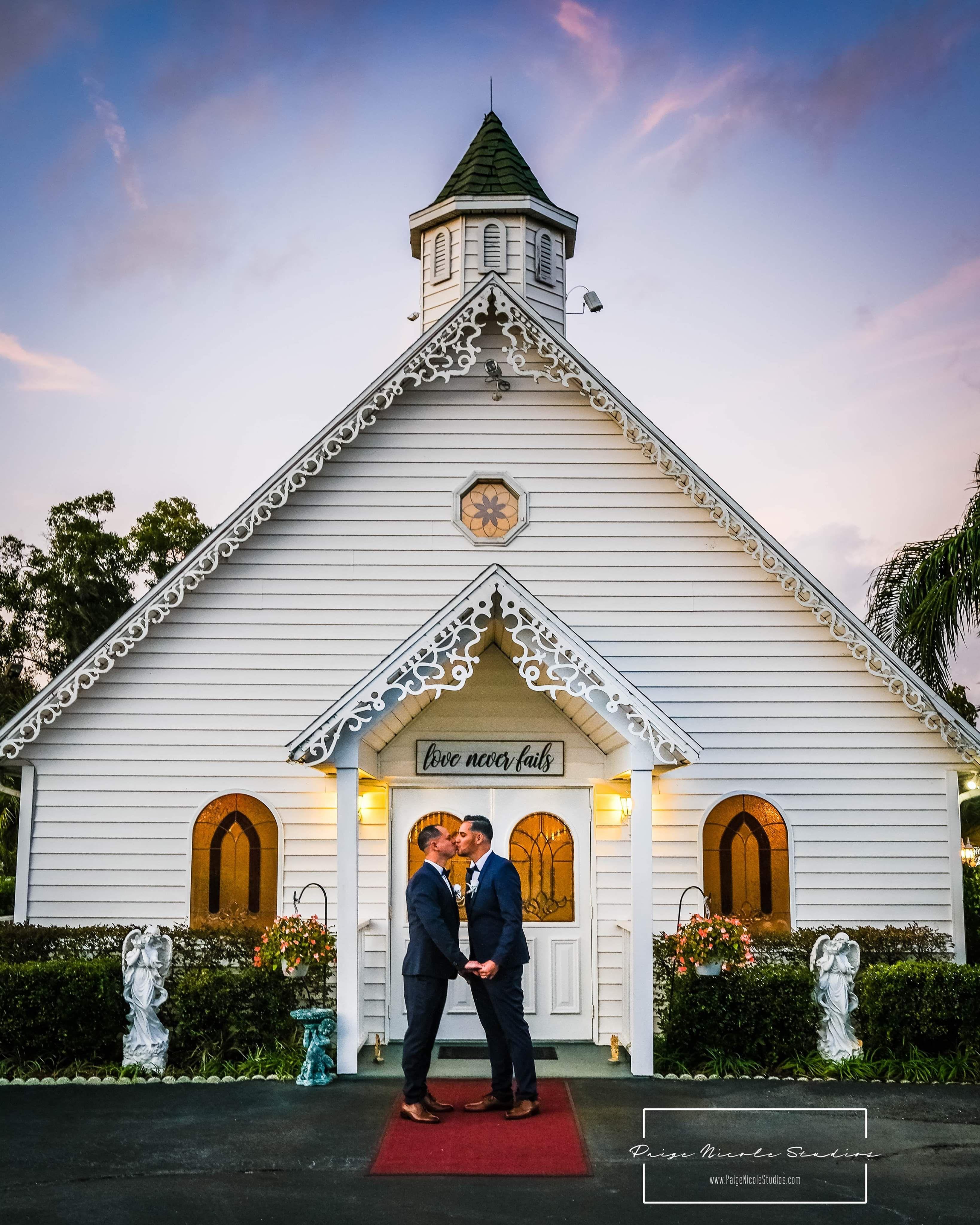Sunset In Eustis Florida At The Little Wedding Chapel Orlando Photographers Destin Florida Wedding Chapel Wedding