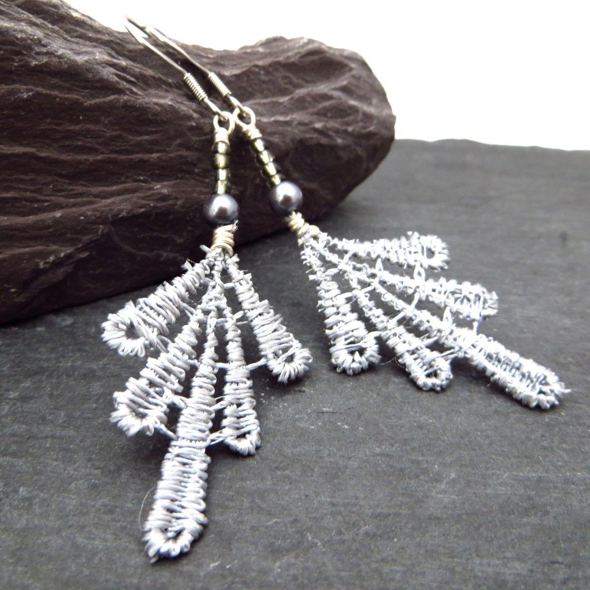 Lace earrings with Swarovski pearl & Czech glass beads