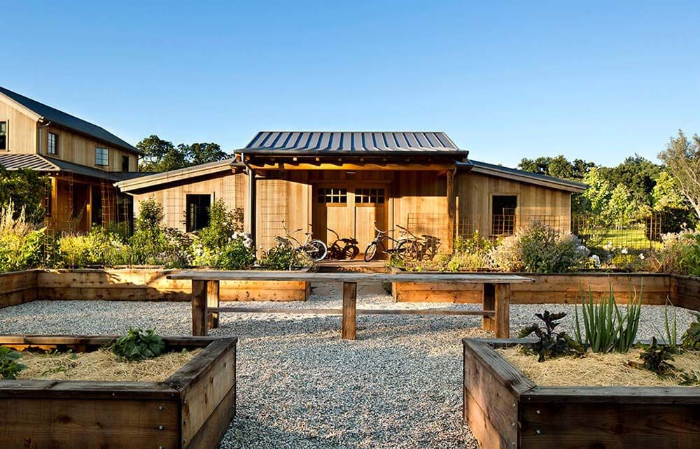 Luxury Timber Mansion W Vegetable Garden 25 Hq Images Top