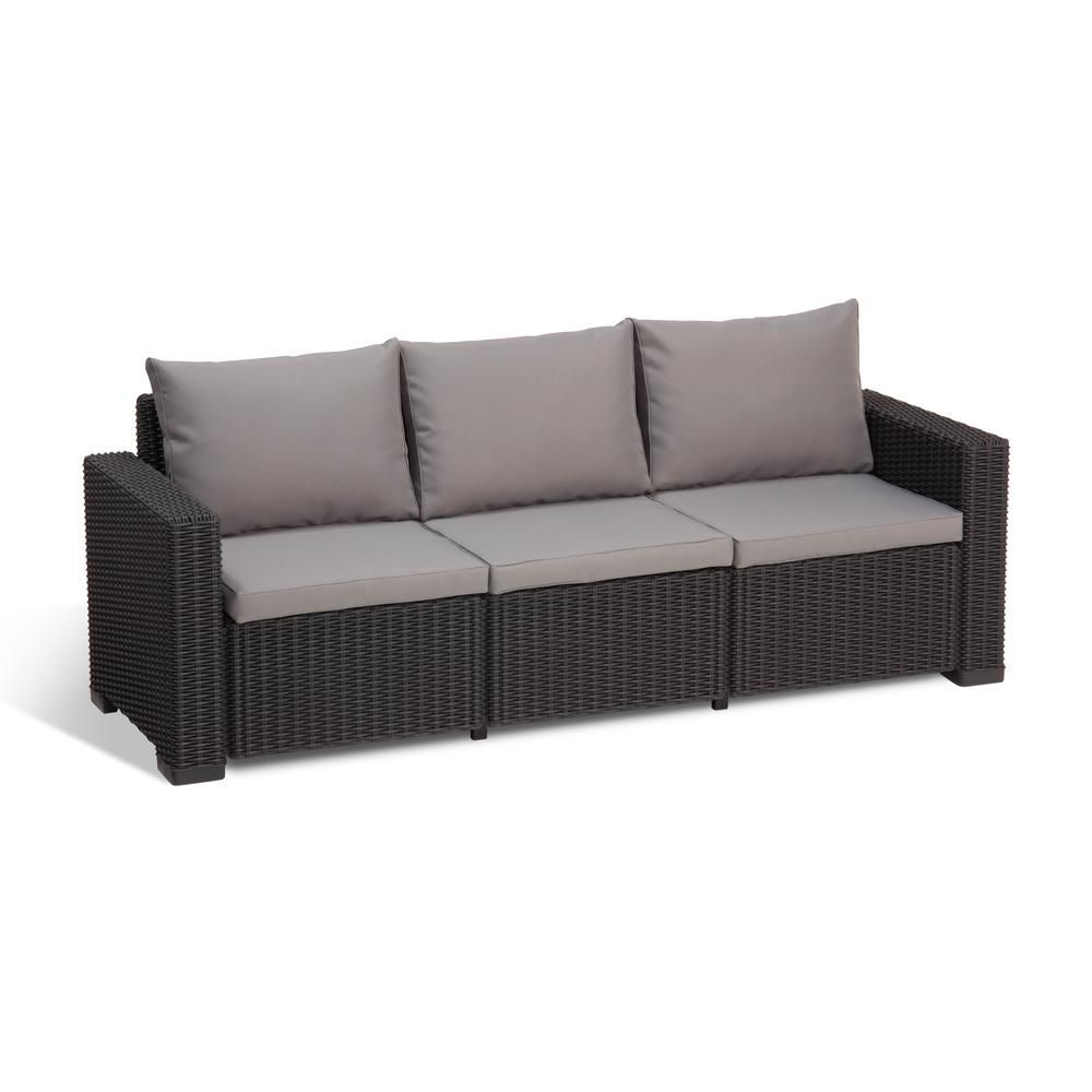 Accentuate Your Backyard With A Gorgeous Set Of Outdoor Couch In