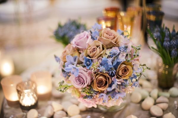Stunning wedding flowers by Zita Elze at the Aashni + Co Wedding Show | Flowerona