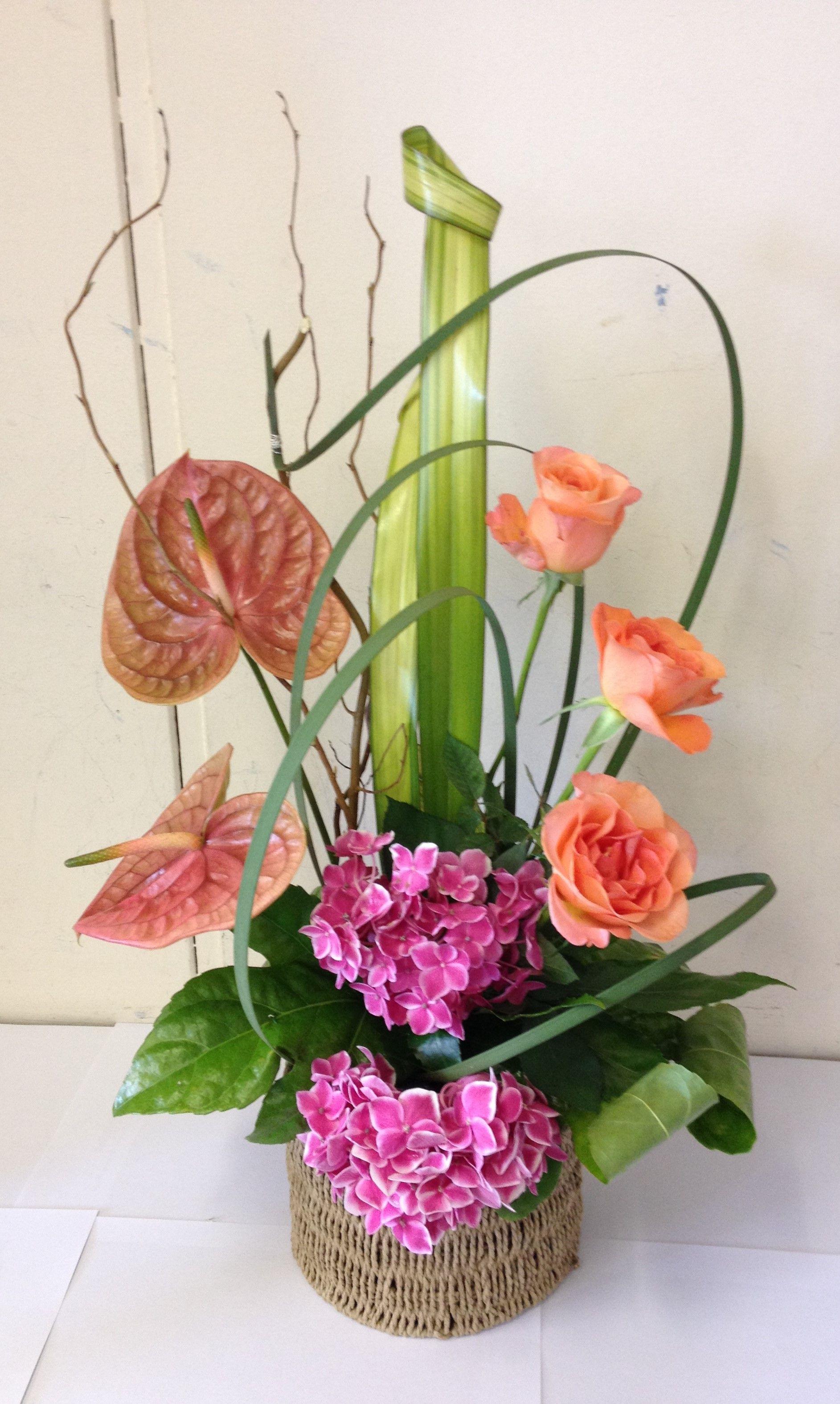 Contemporary Flower Arrangement Ideas
